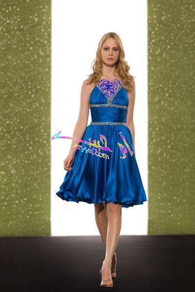 2009 في مدينة سيدني. تميزت المجموعة بباقة من الفساتين القصيرة