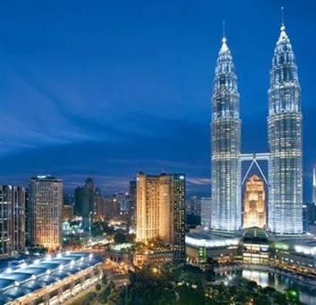 العملة=رينغيت *السياحة في ماليزيا* *تعتبر السياحة في ماليزيا من أهم