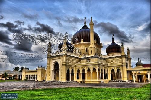 الجدير بالذكر أن السلطان أحمد أراد المبالغة في تعظيم مسجده
