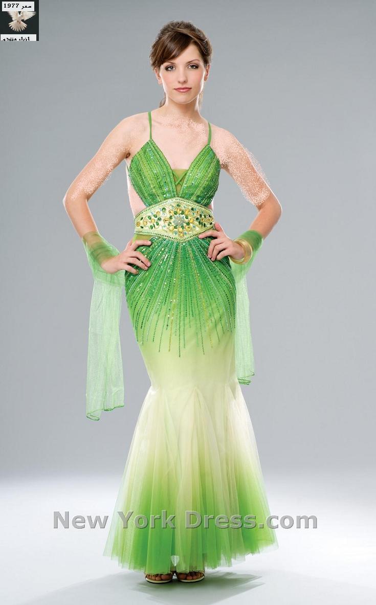 الأخضر لون الموضة للسهرات 2010