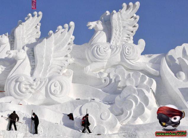 صور المدينة الثلجية في الصين التي نحت على أشكال مجسمات