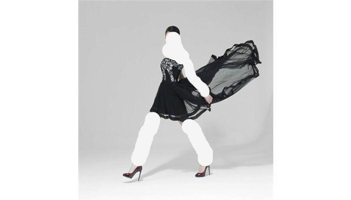 مواضيع ذات صلةازياء المصممة العالمية ريم عكرا 2012-2013فساتين المصممة