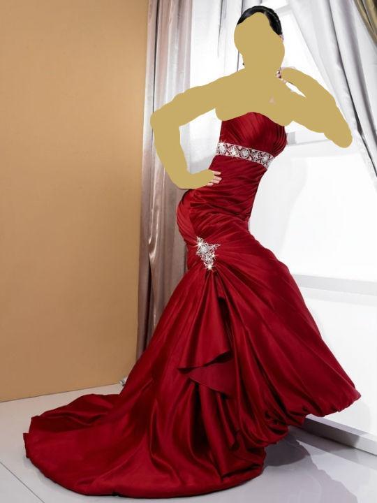 باللون النيلي 2011فساتين حمراء ومطعمة باللون الاحمر روعةاحلى الاكسسوارات باللون