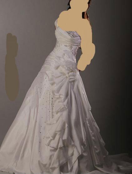 لك فساتين عروس للمصمم طوني وردفساتين زفاف طوني شعيا لصيف