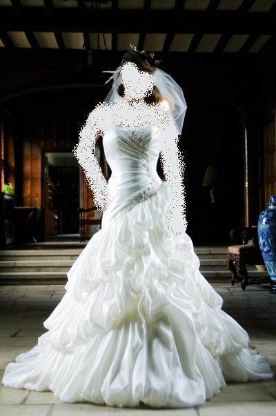 طلب تظليل صور موضوع اجمل فساتين زفاف 2009 من houseofcouture