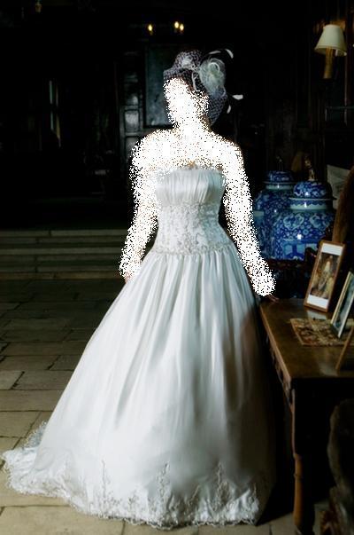 من هاوس فيكتور انزلو تحت يالله اجمل فساتين زفاف 2009