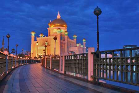 . وقد شيد المسجد سنة 1958 بتكلفة بلغت حوالي 5
