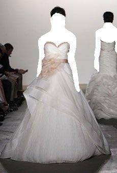 لريم اكرا لموسم ربيع وصيف 2012فساتين الزفاف لـ ريم اكرا-