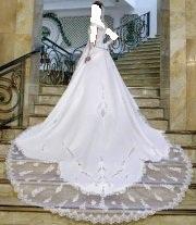 بسم الله الرحمان الرحيم جبتلكم فساتين زفاف استحلفكم بالله