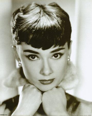 لأكثر نجمات العالم إثارة وجمالا. صوفيا لورين الممثلة الإيطالية الشهيرة