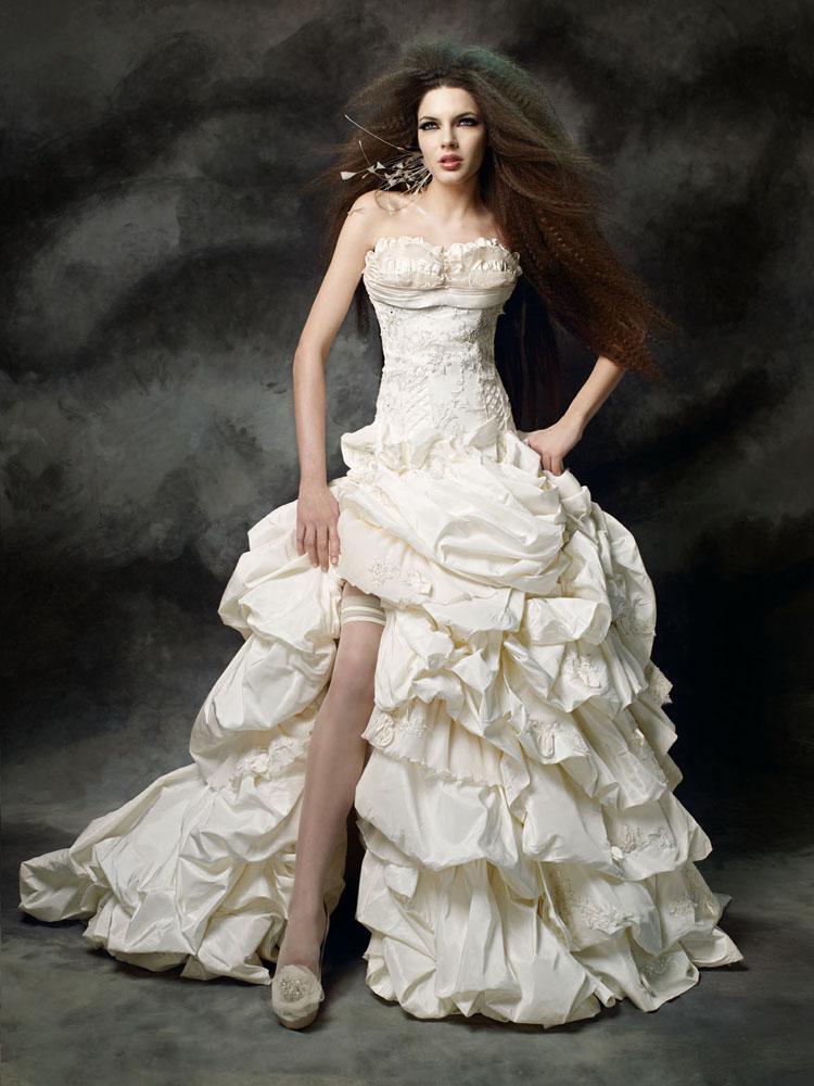 4ab3a4d8d فساتين زفاف فرنسية 2012 , اجمل فساتين زفاف فرنسية 2012