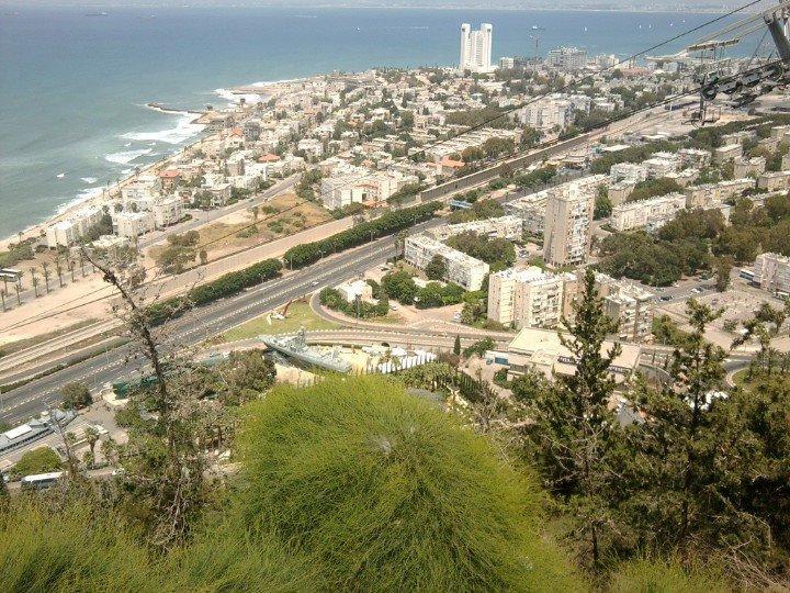 هذة صورة لمدينة حيفا في فلسسسطين الصورة روعة وخااصة انها