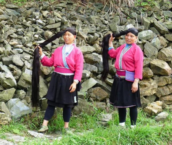 قويلين بمناظر طبيعية خلابة وتضم نحو 82 أسرة من قبيلة