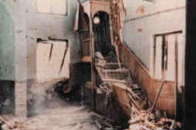 على مسجد عمر بن الخطاب ومحراب زكريا ومقام الأربعين وثلاثة