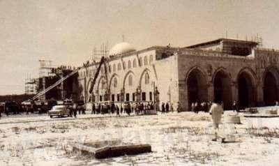 السجاد وكثير من الزخارف والآيات القرآنية. وقد كانت الكارثة الحقيقية
