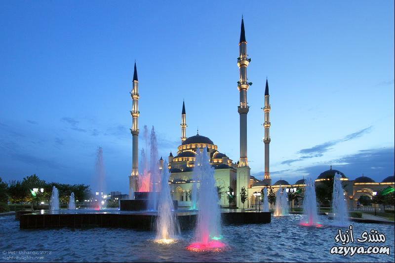 وأعيد العمل على بنائه في العام 1997. واتفق الرئيس الشيشاني