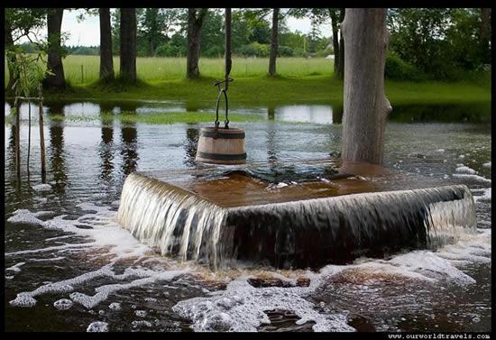 يقع في مدينه (Tuhala) في شمال أستونيا بئر مائي