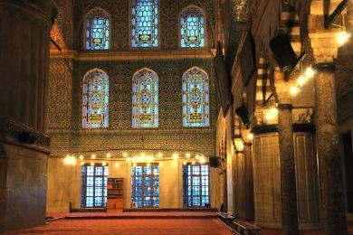 أسباب متنوعة تدفع كثيرين إلى اعتناق الإسلام، إلا أن