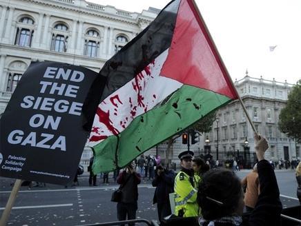 انتقلت أصداء الحرب الإسرائيلية على غزة إلى الإعلام البريطاني