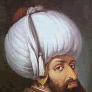 ربما لاحظ الكثيرون منا كبر حجم عمامة السلاطين العثمانيين