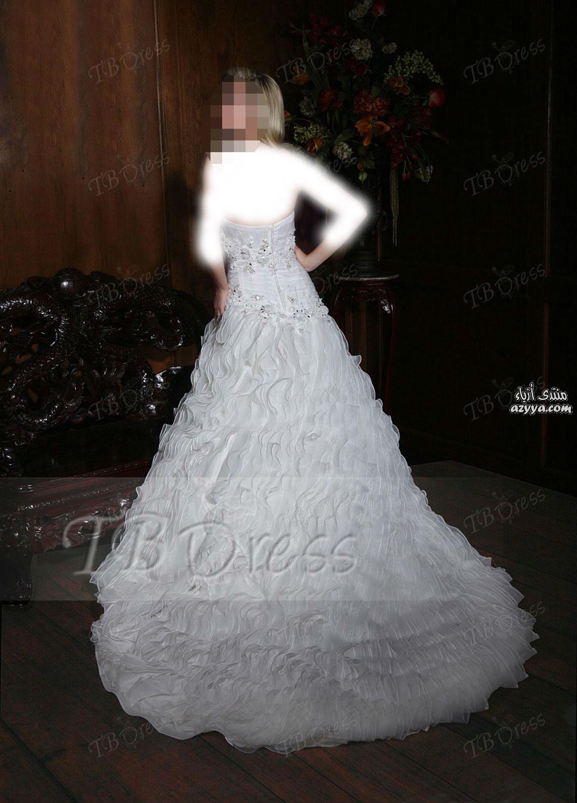 واختها.فساتين زفاف للعروس الرومانسيةبإطلالة الأميرات فساتين زفاف من Fashion Forwardفساتين
