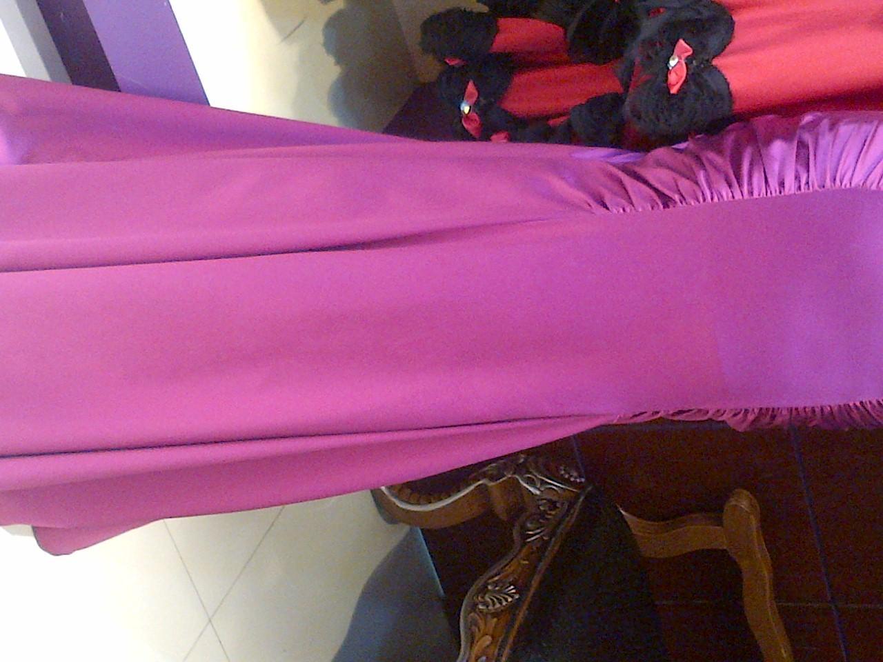 واحد: فستان تركي نفس الصوره بس اللون بين الوردي واللحمي
